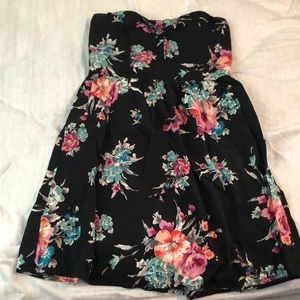Strapless black dress with flowers